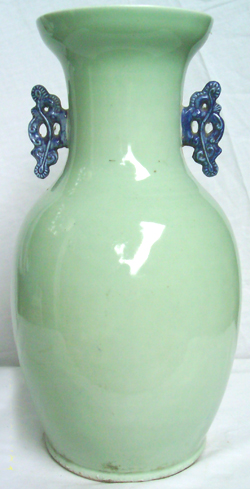 Large Temple Vase with Sage - Qing Dynasty Chinese Porcelain