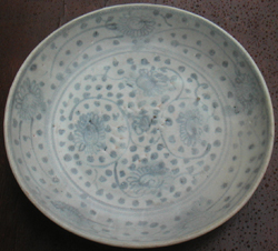 Swatow Dish with Floral Design - Chinese Blue and White Porcelain