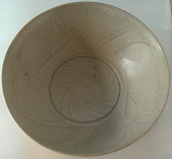 Shipwreck Bowl with Floral Medallion - Chinese Celadon Stoneware Ceramics