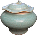 Covered Guan - Chinese Celadon Ceramics