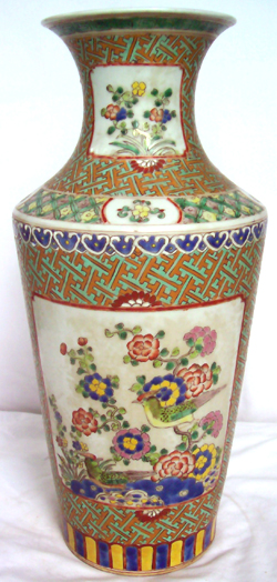 Rouleau Vase with Flowers - Qing Dynasty Chinese Porcelain