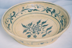 Shipwreck Plate with Floral Design - Underglaze Black Chinese Ceramics